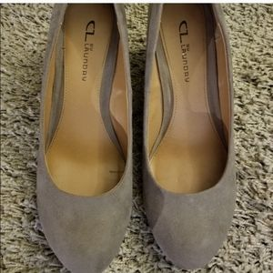 CL by Laundry Wedge Suede Tan Shoes